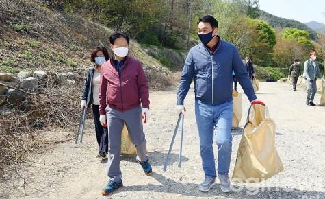 국민의힘 고령·성주·칠곡 당협, 성주호 환경정비 봉사